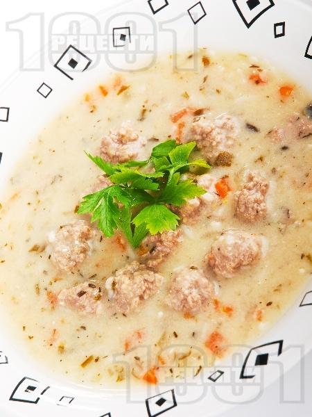 Супа топчета с телешка кайма - снимка на рецептата
